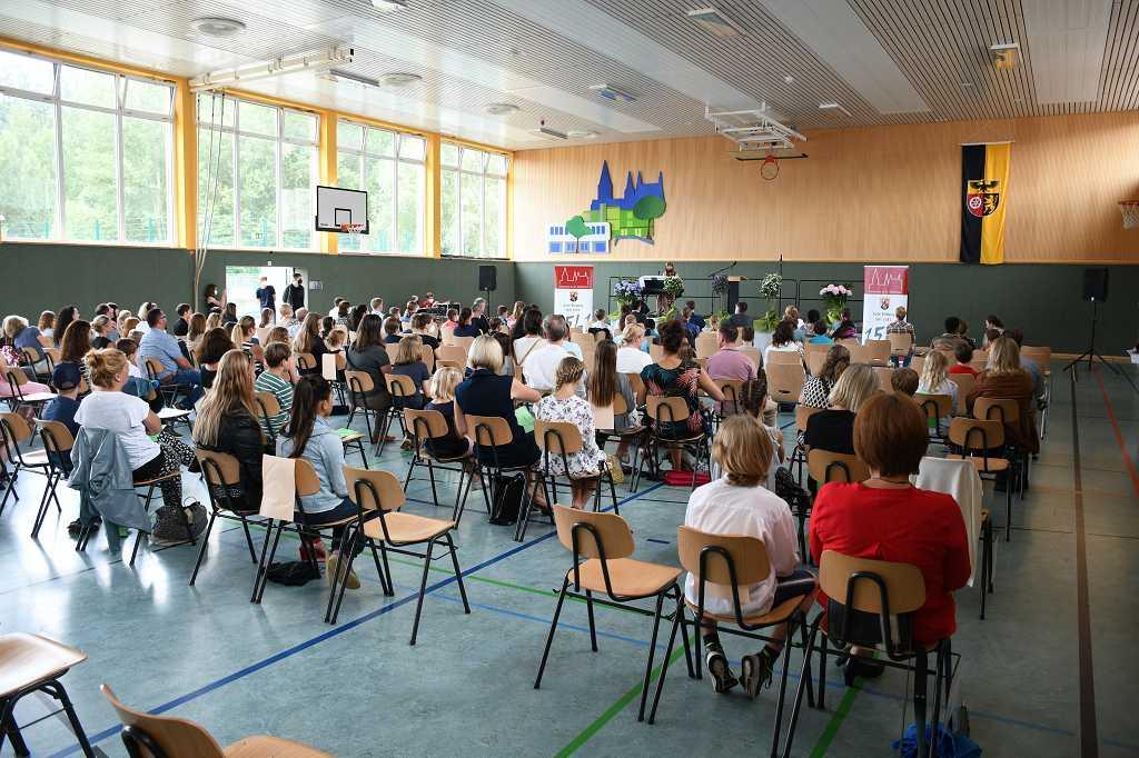 Einschulungsfeier für 226 neue Fünftklässler und Fünftklässlerinnen